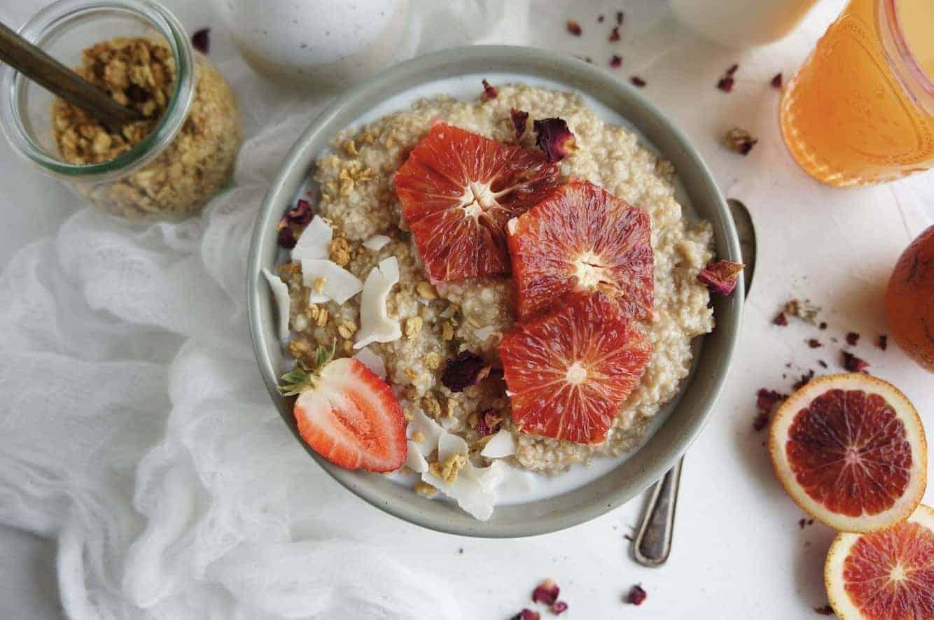 Blood orange steel cut oatmeal. The perfect yummy way to kickstart the day!