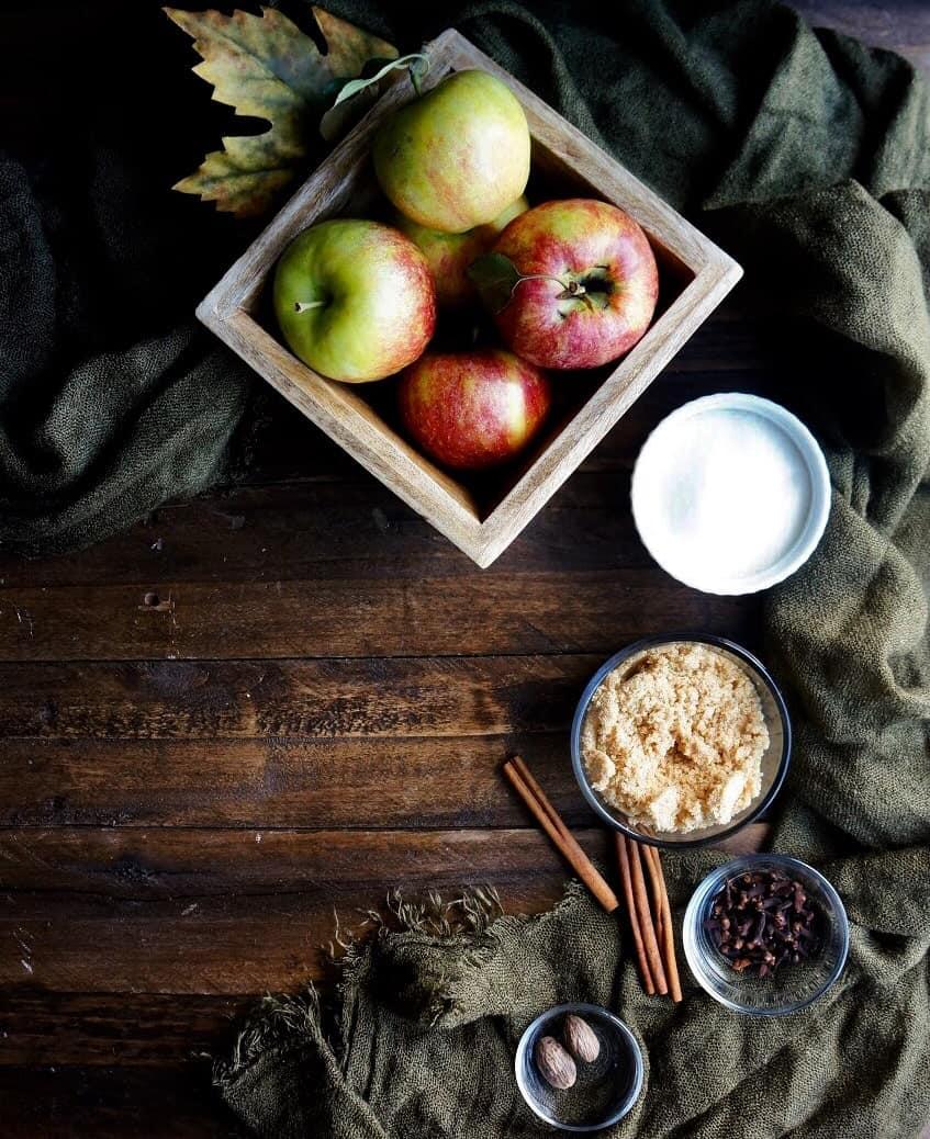apple butter ingredients displayed