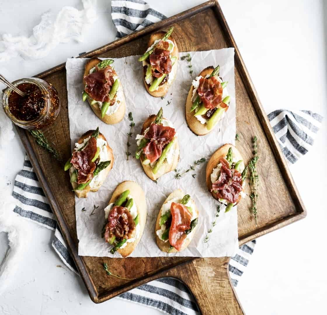 Asparagus Goat Cheese Crostini with Prosciutto