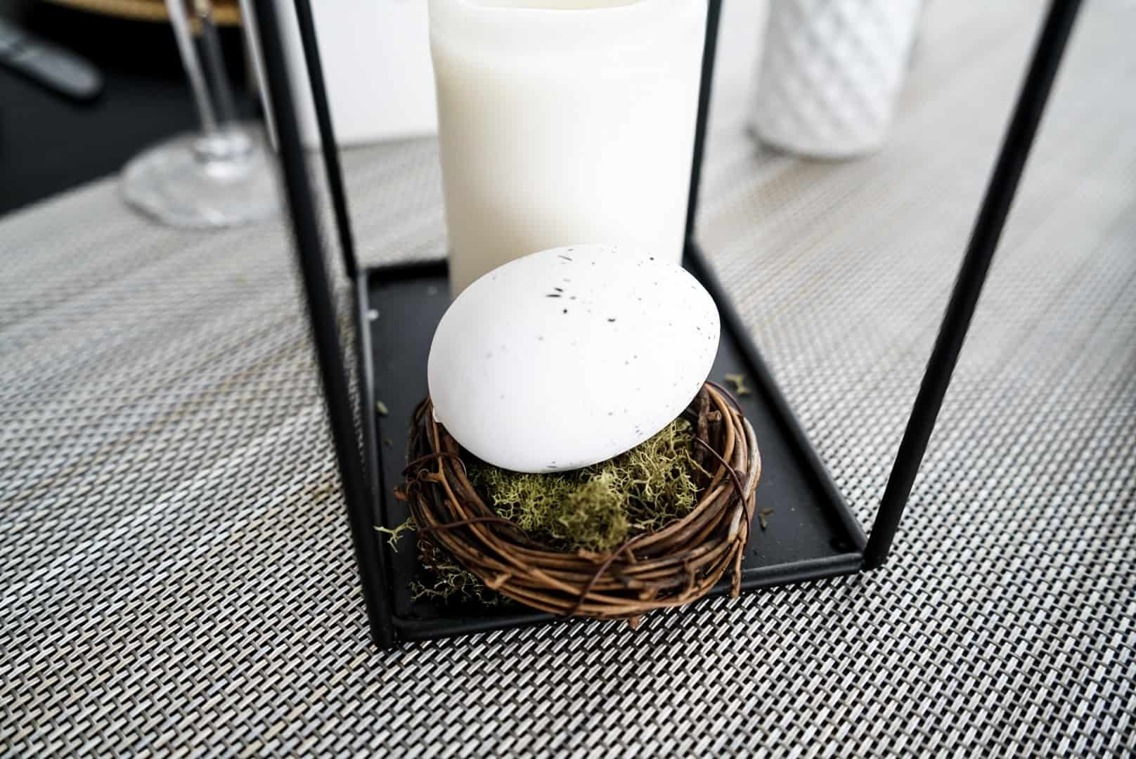 Easter egg table scape